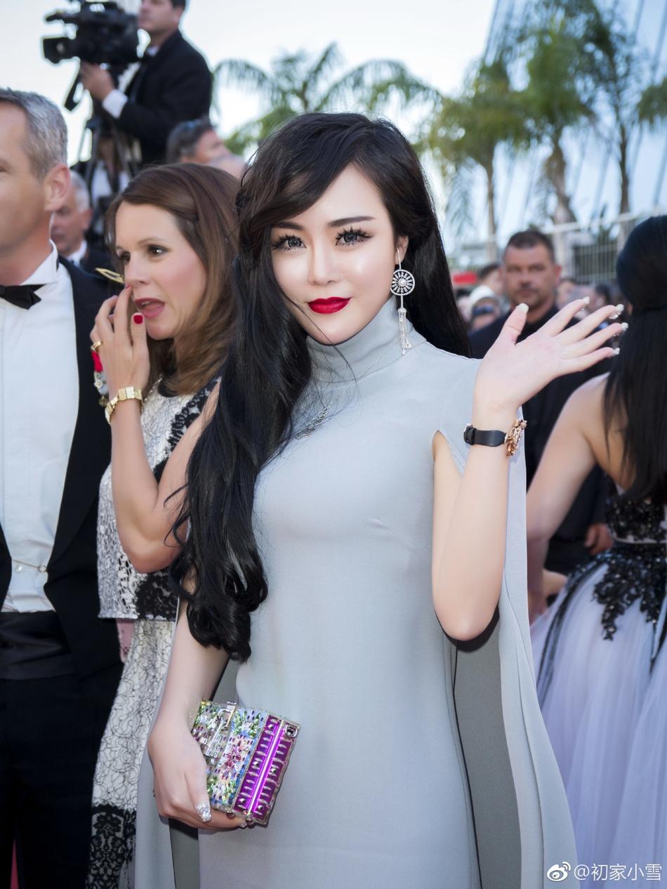 Lại thêm một người đẹp Cbiz vô danh chen chân lên thảm đỏ Cannes khiến netizen muối mặt - Ảnh 3.