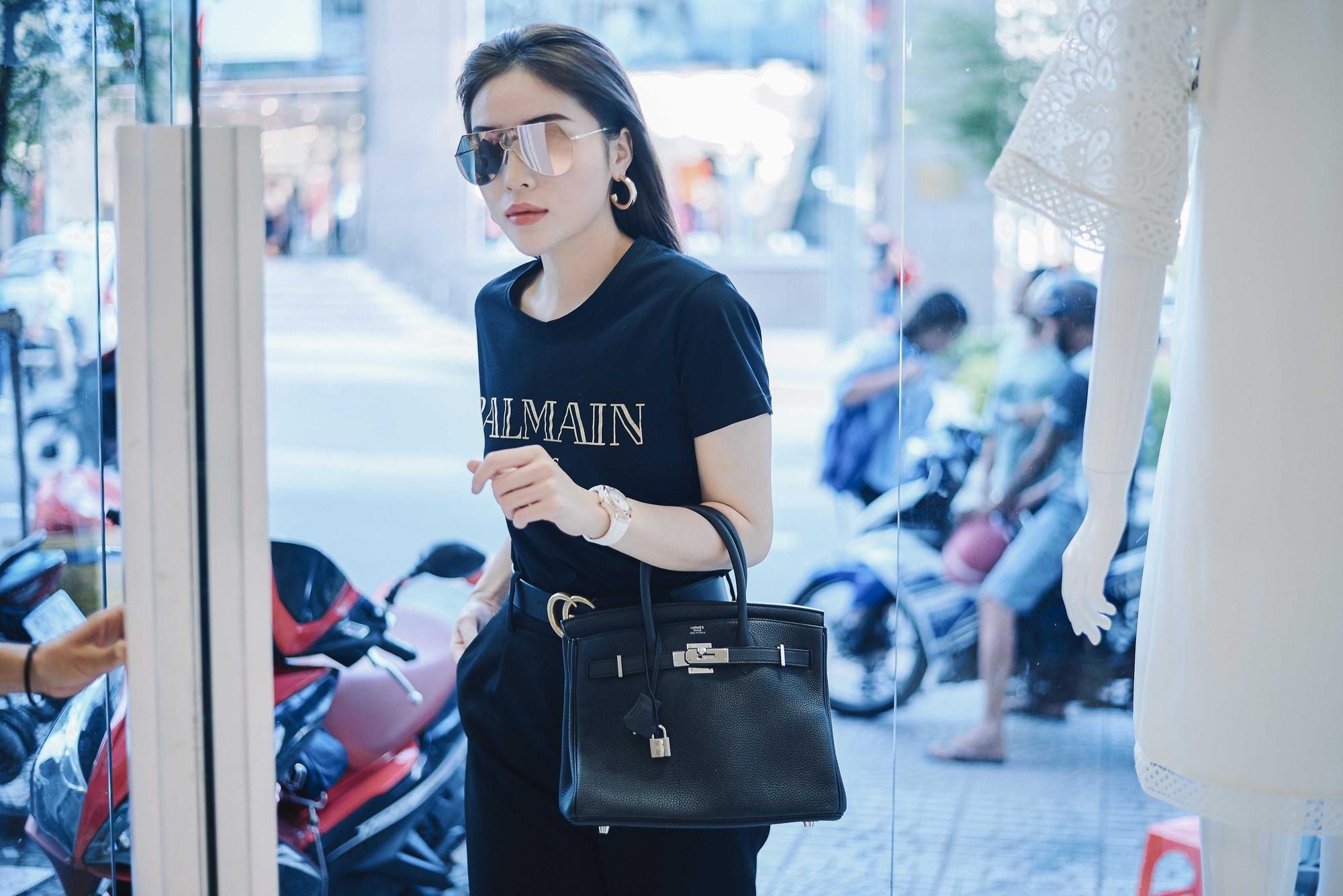 Kỳ Duyên ngày một ra dáng fashion icon, đọ sắc với Phạm Hương trong buổi thử đồ của NTK Adrian Anh Tuấn - Ảnh 5.
