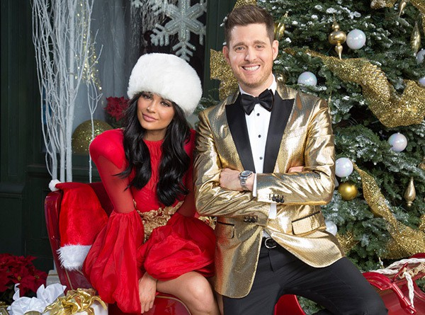 kylie-jenner-michael-buble-sexy-santa-ch