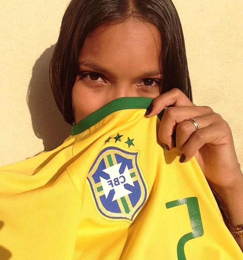 9 điều không phải ai cũng biết về Lais Ribeiro - thiên thần mặc Fantasy Bra 2 triệu đô của Victorias Secret - Ảnh 1.
