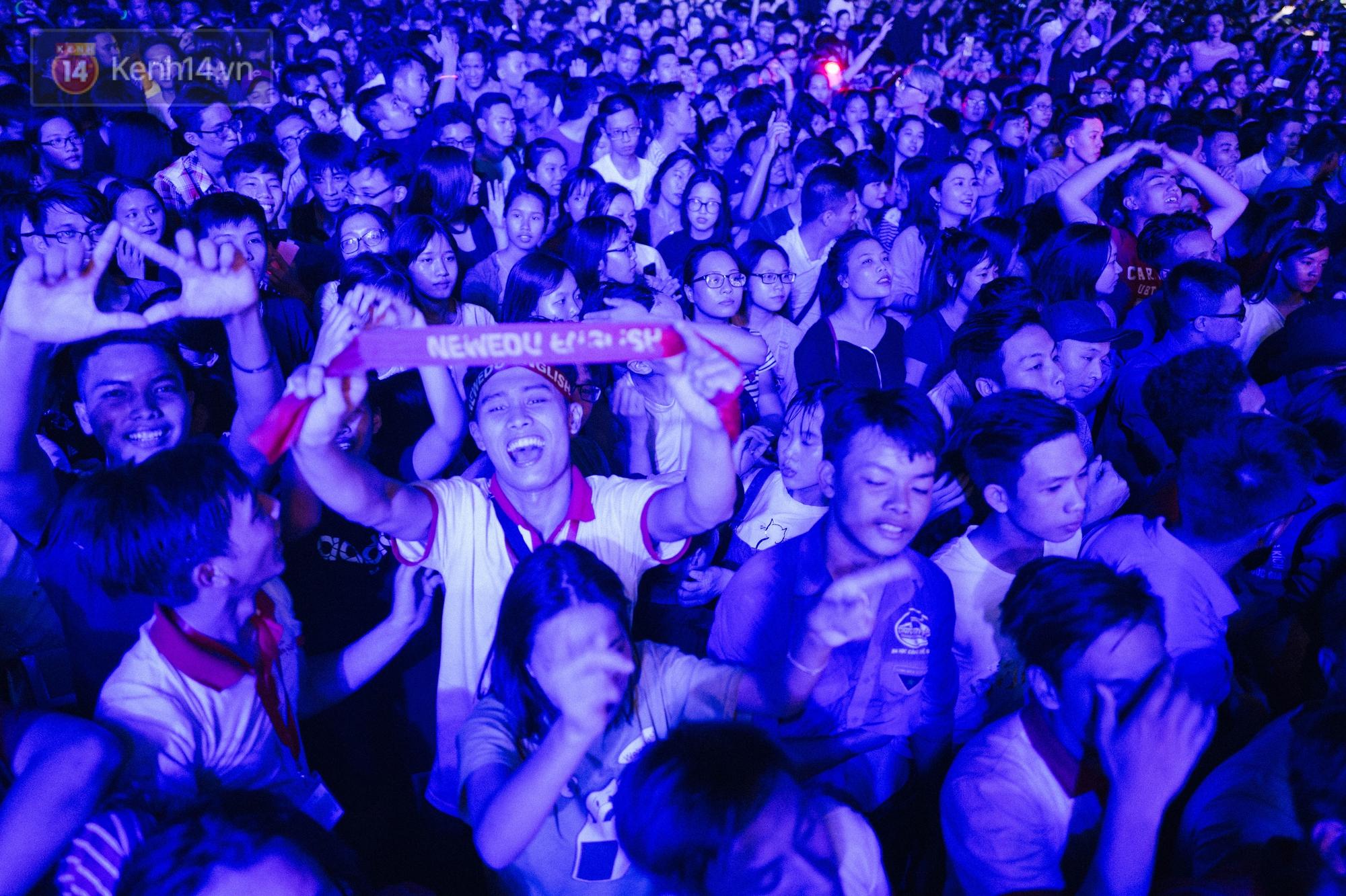 Giới trẻ Hà Nội bùng cháy với Nhạc hội Chào tân sinh viên 2017 không thể sôi động hơn - Ảnh 9.