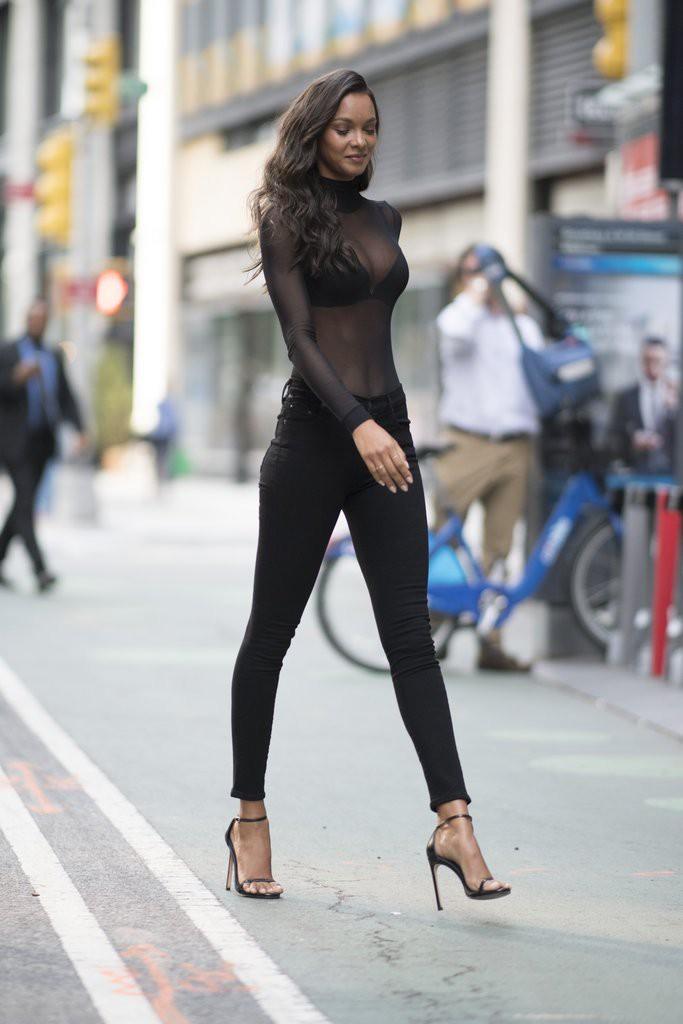 9 điều không phải ai cũng biết về Lais Ribeiro - thiên thần mặc Fantasy Bra 2 triệu đô của Victorias Secret - Ảnh 6.