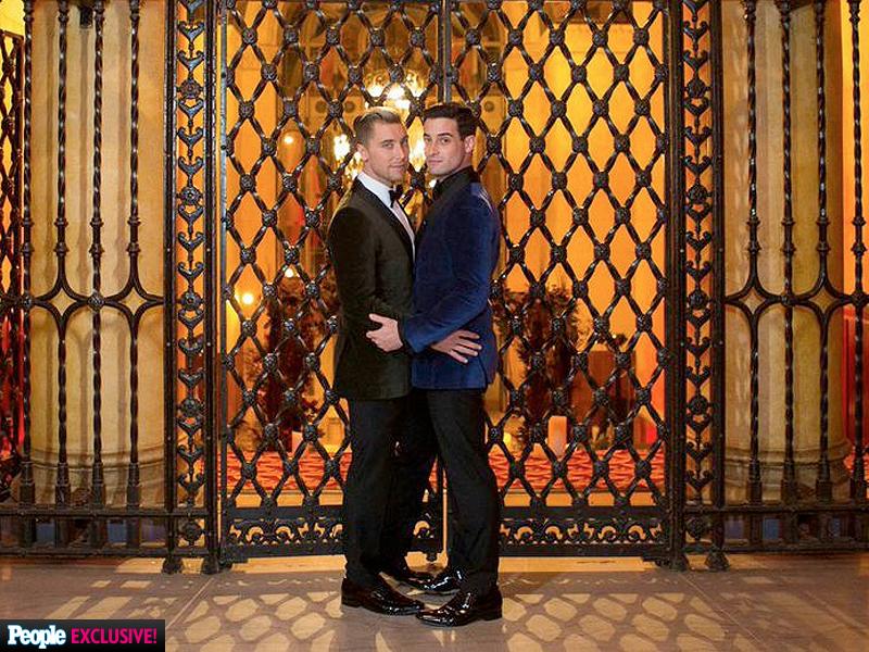 Trước Hồ Vĩnh Khoa, cũng đã có nhiều đám cưới đồng tính đẹp như mơ của sao thế giới - Ảnh 13.