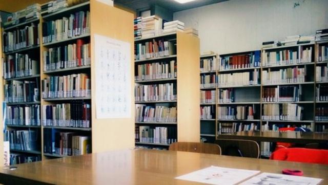 Nguyên tắc bất thành văn mà sinh viên nên nằm lòng khi học tập ở thư viện - Ảnh 1.