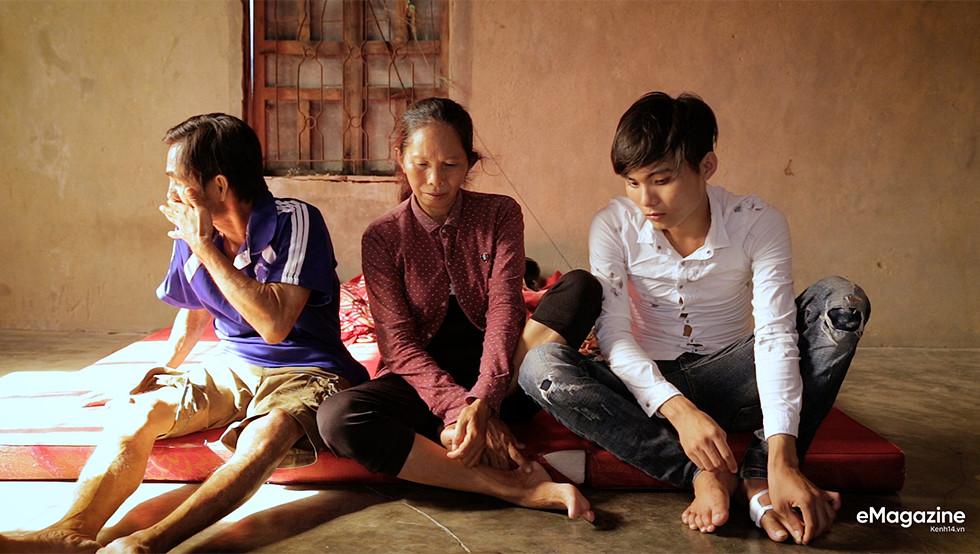 Tìm về những mảnh đời của người già bán vé số Sài Gòn: Nơi quê hương không ngọt - Ảnh 10.