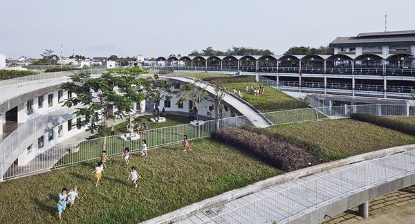 Không cần đi đâu xa xôi, Việt Nam cũng có rất nhiều ngôi trường với kiến trúc siêu ấn tượng! - Ảnh 17.