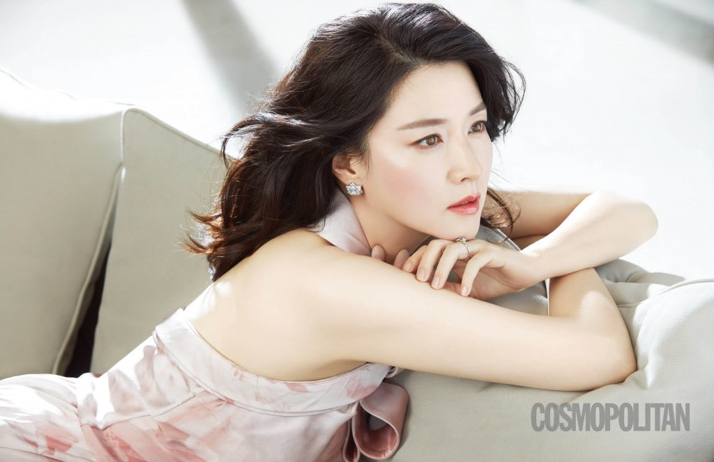 lee-young-ae-1510326778074.jpg