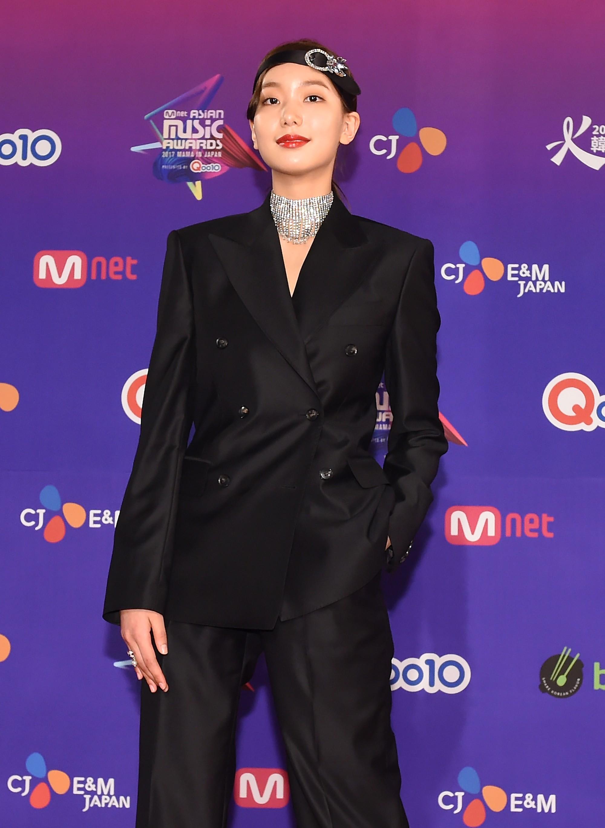 Thảm đỏ MAMA Nhật: Park Bo Gum và dàn mỹ nam Wanna One, EXO chiếm trọn sự chú ý, Kim So Hyun đọ sắc TWICE - Ảnh 48.