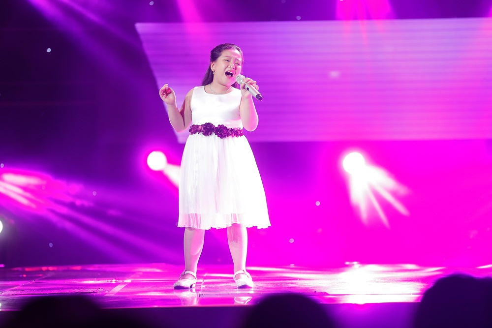 Chạy ào lên đón thí sinh nhưng bị từ chối, Vũ Cát Tường có giây phút bẽ bàng nhất lịch sử Giọng hát Việt nhí - Ảnh 13.
