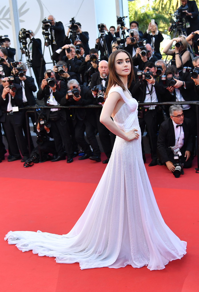 Hoa hậu Aishwarya Rai đẹp như Lọ Lem, chặt chém dàn mỹ nhân trên đấu trường nhan sắc Cannes! - Ảnh 10.
