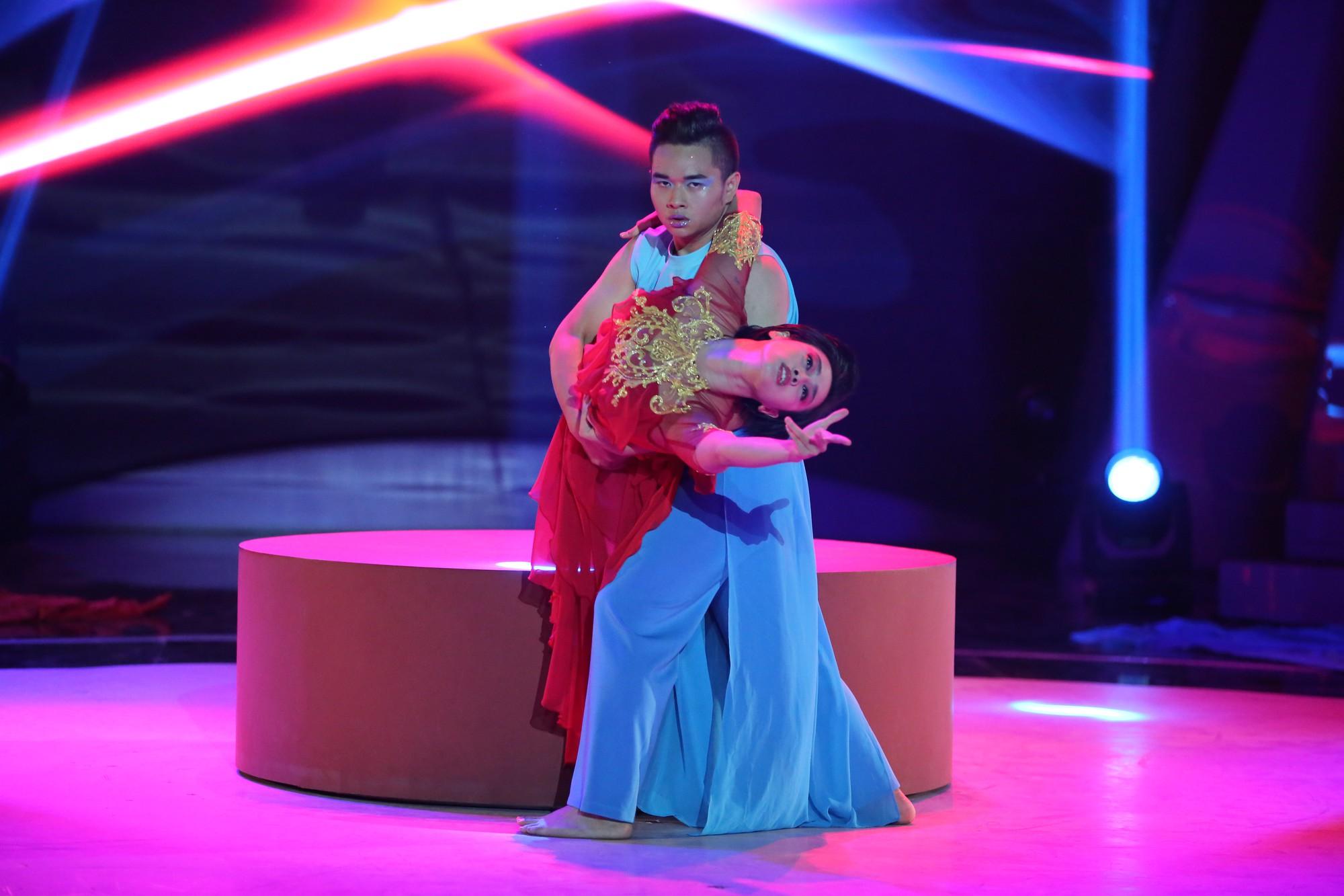 Giảm gần 30kg, bà mẹ một con Thanh Huyền lên ngôi Quán quân Bước nhảy ngàn cân 2017 - Ảnh 12.