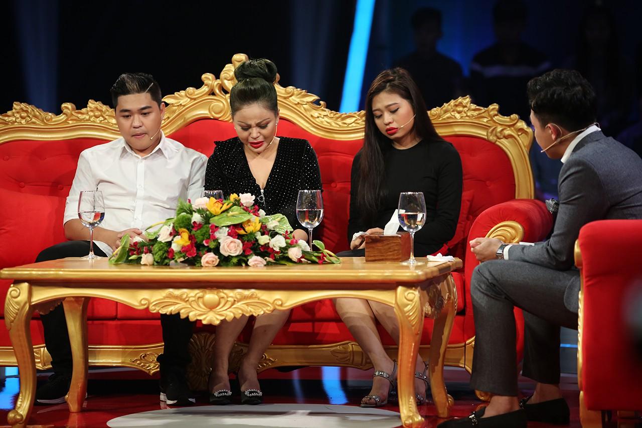 Nghệ sĩ Lê Giang đau đớn kể về kiếp chồng chung, từng bị đánh đập, ném từ cầu thang xuống đất - Ảnh 4.