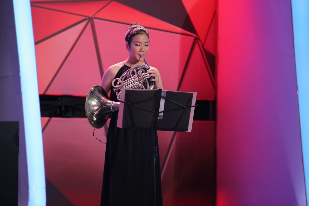 Võ Cảnh đọ võ với Trấn Thành, Angela Phương Trinh ôm mặt vì người bí ẩn - Ảnh 12.