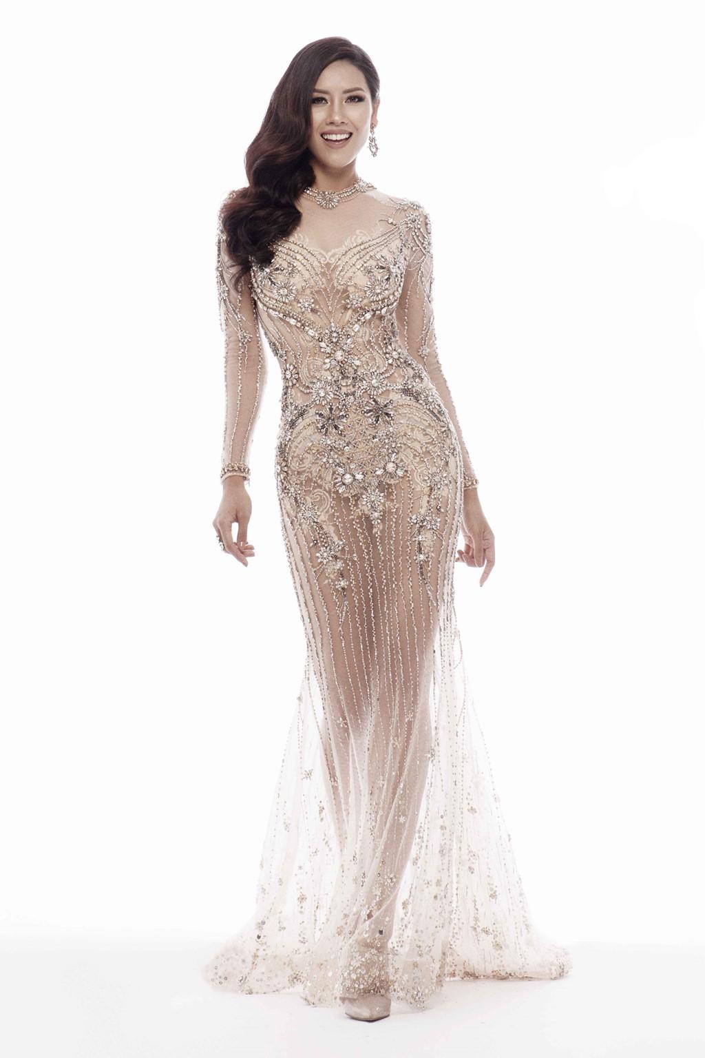 Nguyễn Thị Loan khoe trọn vóc dáng nóng bỏng trong trang phục dạ hội xuyên thấu tại Miss Universe - Ảnh 4.