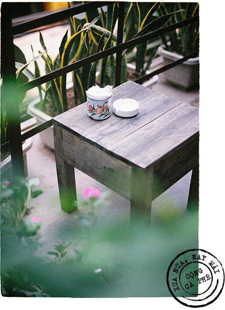 Bạn từ xa ghé Hà Nội, tôi thường dắt đến Cộng Cà phê như một nơi phải tới - Ảnh 13.