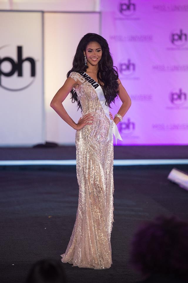 Trượt Top 16 Hoa hậu Hoàn vũ, nhưng may sao Nguyễn Thị Loan cũng không vào Top đầm dạ hội xấu nhất - Ảnh 17.