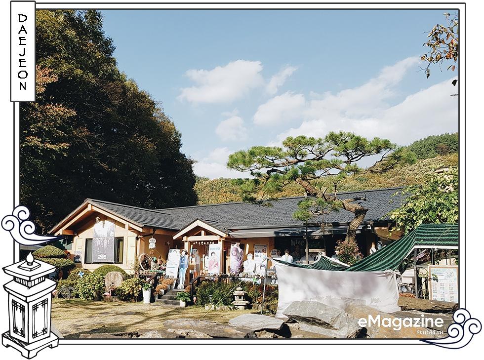 Cuộc gặp gỡ với bố Song Joong Ki tại quê nhà trước siêu đám cưới: Mọi thứ cứ dung dị, bình yên như thế - Ảnh 3.