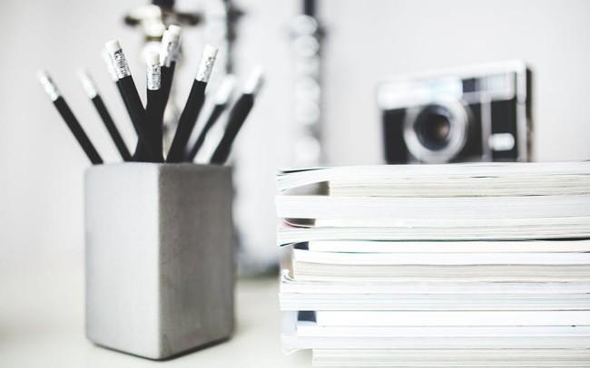 https://kenh14cdn.com/2017/magazines-desk-work-workspace-1514176898049.jpg
