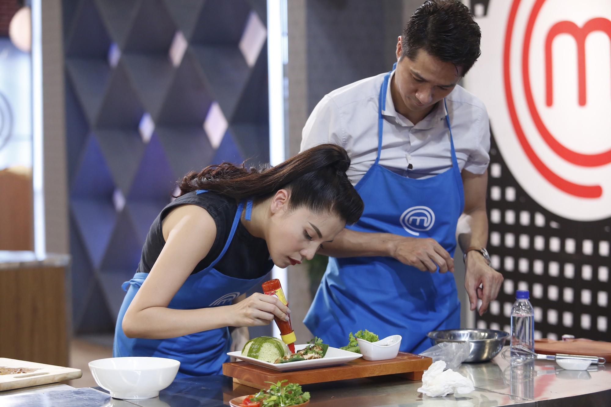 Vua đầu bếp: Được tất cả mọi người giúp đỡ, Chế Nguyễn Quỳnh Châu vẫn phải ra về - Ảnh 2.