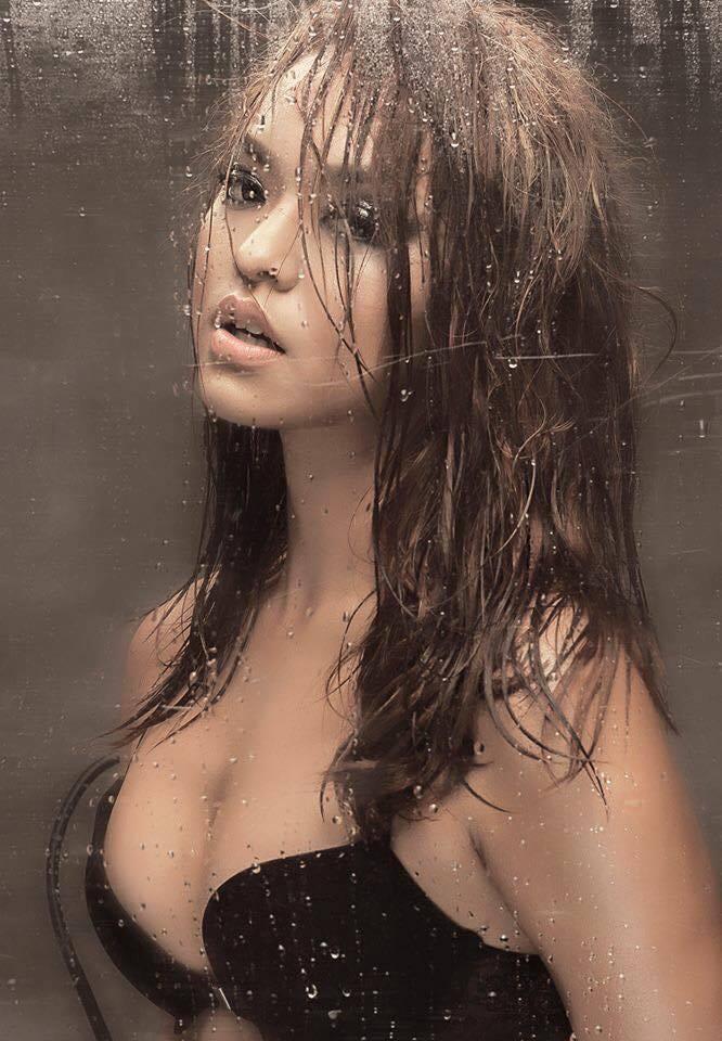 Chẳng biết vì sao mà cứ đi thi Hoa hậu Hoàn vũ là thân hình sao Việt này bỗng dưng trở nên khác hình bình thường? - Ảnh 14.