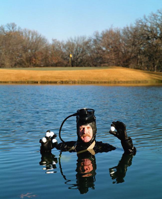 Image result for nghề lặn nhặt bóng golf