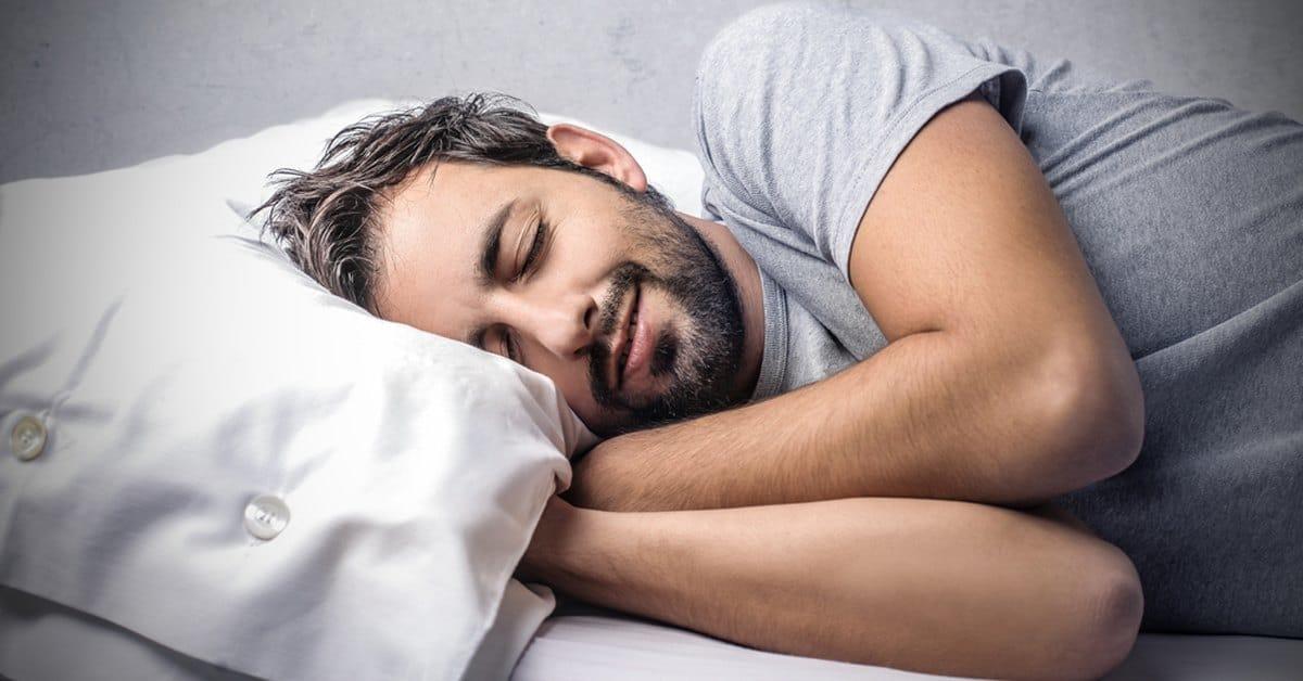 Muốn tinh trùng khỏe mạnh nhất - nam giới hãy đi ngủ vào thời điểm này - Ảnh 1.