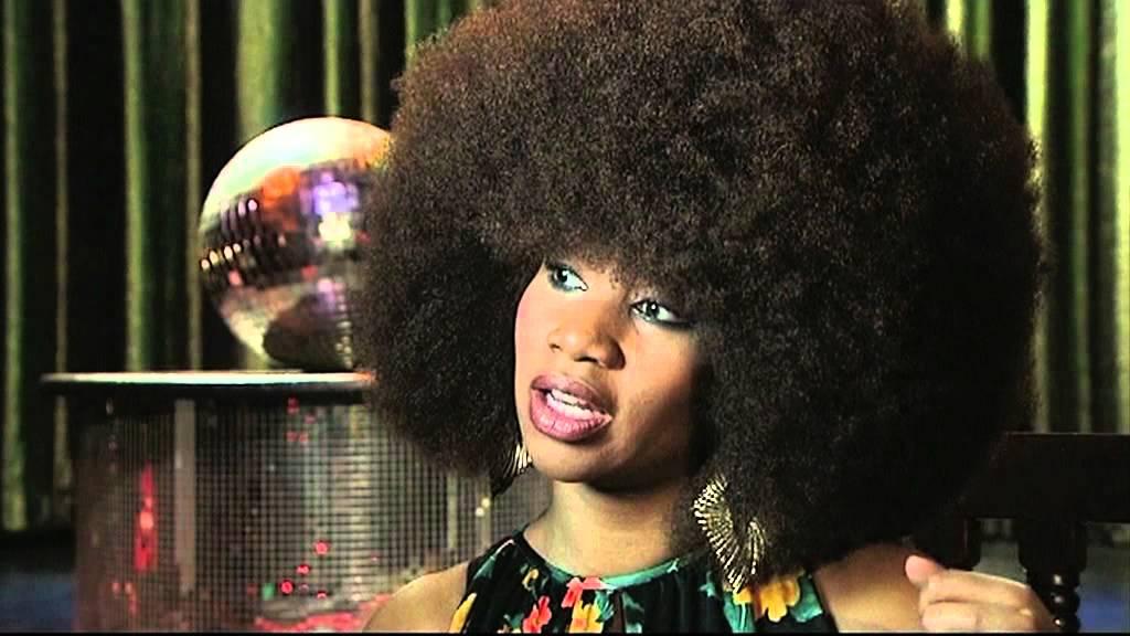 Dân gian quan niệm, nữ giới sở hữu tóc xoăn tự nhiên là khổ lắm - điều này có thật sự đúng? - Ảnh 1.