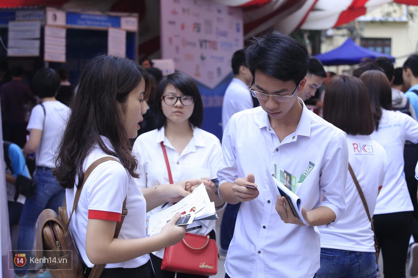 Ngày hội việc làm Công nghệ 2017: Khi sinh viên và các doanh nghiệp tìm được cầu nối - Ảnh 12.