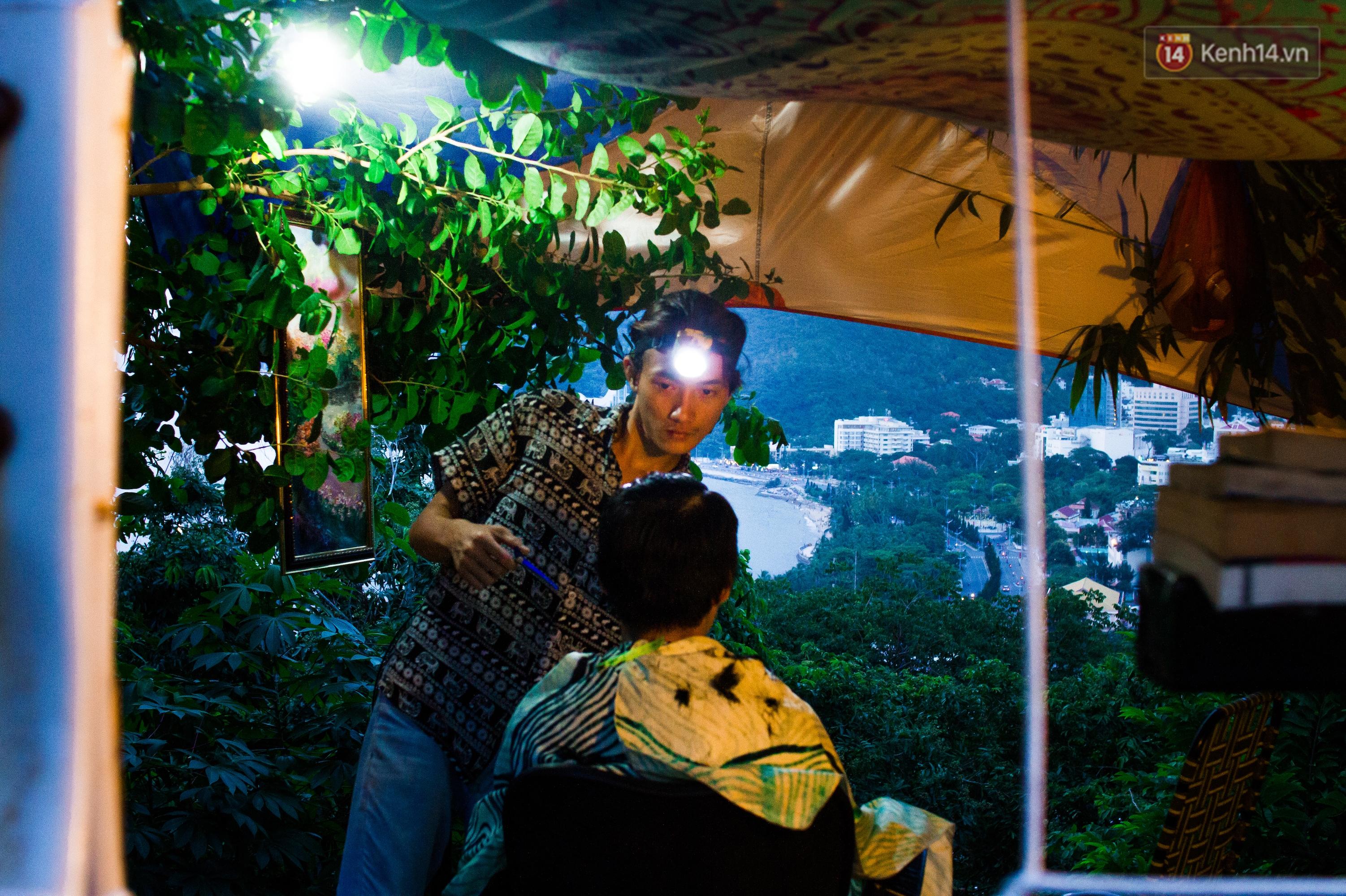 Chuyện về chàng trai Vũng Tàu bỏ phố lên rừng để mở tiệm tóc trong túp lều độc đáo bên triền dốc - Ảnh 7.