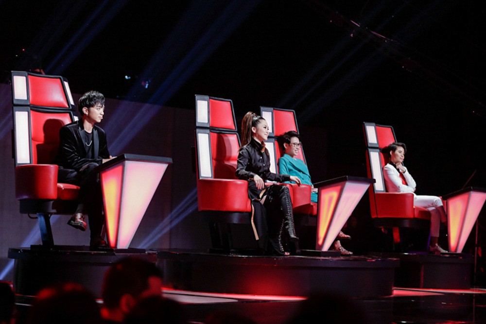 Khách mời Đông Nhi thể hiện lại hit chiến thắng của học trò, Giọng hát Việt nhí 2017 lộ Top 3 chung cuộc - Ảnh 1.