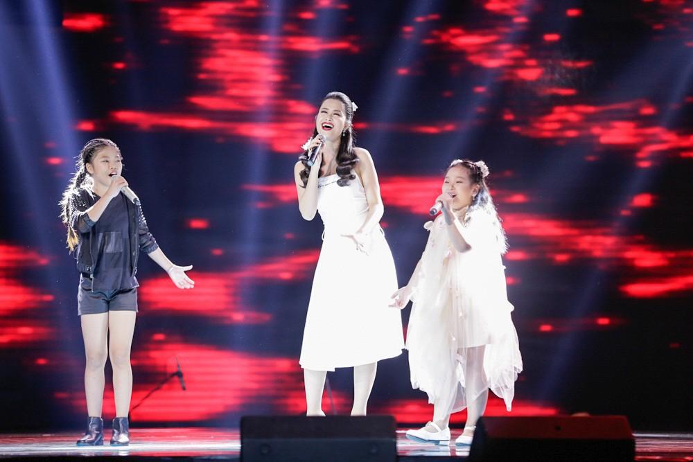 Khách mời Đông Nhi thể hiện lại hit chiến thắng của học trò, Giọng hát Việt nhí 2017 lộ Top 3 chung cuộc - Ảnh 3.
