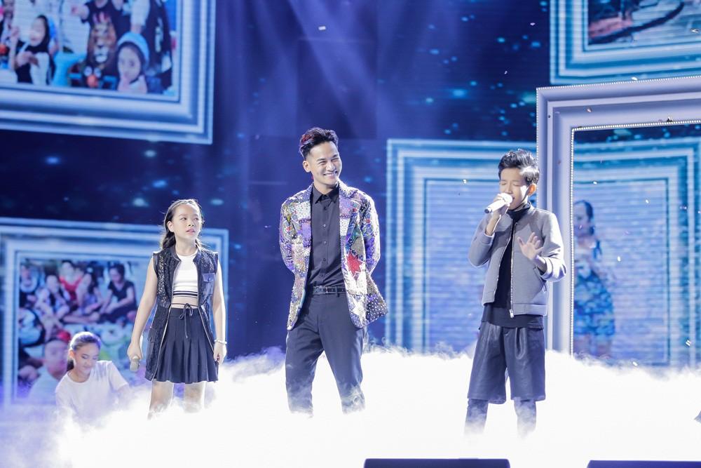Khách mời Đông Nhi thể hiện lại hit chiến thắng của học trò, Giọng hát Việt nhí 2017 lộ Top 3 chung cuộc - Ảnh 7.