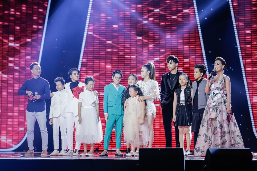 Khách mời Đông Nhi thể hiện lại hit chiến thắng của học trò, Giọng hát Việt nhí 2017 lộ Top 3 chung cuộc - Ảnh 8.