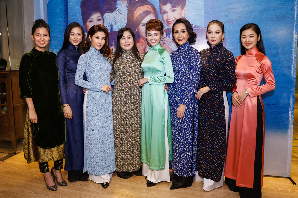 Trước Cô Ba Sài Gòn, không ít lần những tà áo truyền thống Việt Nam gây dấu ấn trên màn ảnh - Ảnh 1.