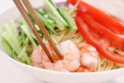 Mì lạnh kiểu Thái cực dễ làm cho bữa trưa ngày nóng - Ảnh 7.