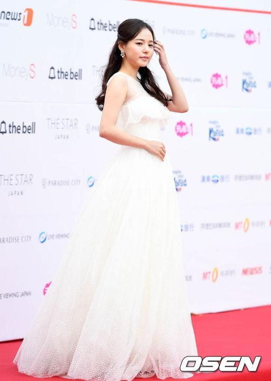 Asia Artist Awards bê cả showbiz lên thảm đỏ: Yoona, Suzy lép vế trước Park Min Young, hơn 100 sao Hàn lộng lẫy đổ bộ - Ảnh 22.
