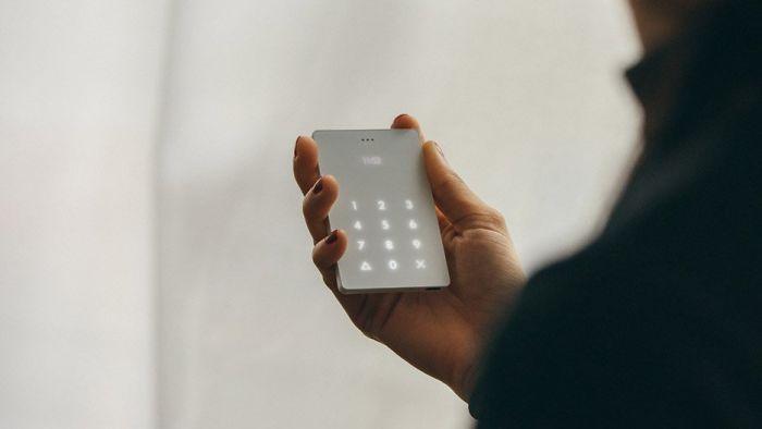 Cai nghiện smartphone bằng cục gạch sang chảnh chỉ có chức năng nghe - gọi - Ảnh 3.