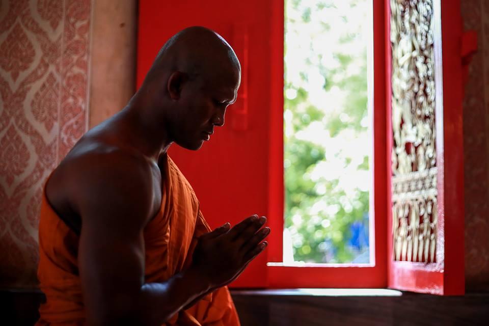 Vì sao Thánh Muay Thái Buakaw bất ngờ xuống tóc đi tu? - Ảnh 4.