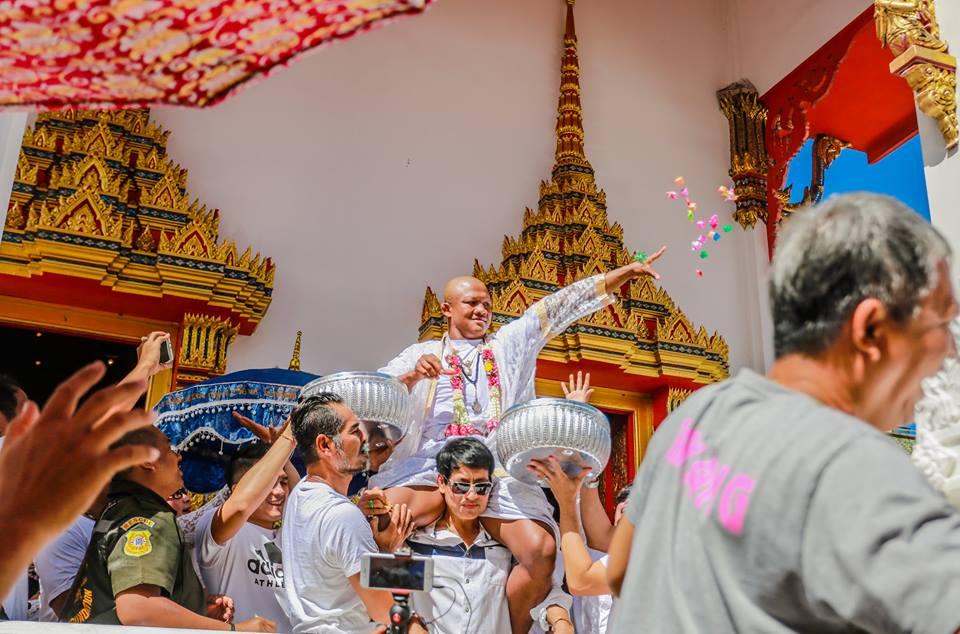 Vì sao Thánh Muay Thái Buakaw bất ngờ xuống tóc đi tu? - Ảnh 8.