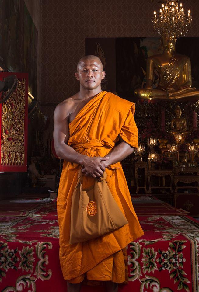 Vì sao Thánh Muay Thái Buakaw bất ngờ xuống tóc đi tu? - Ảnh 6.