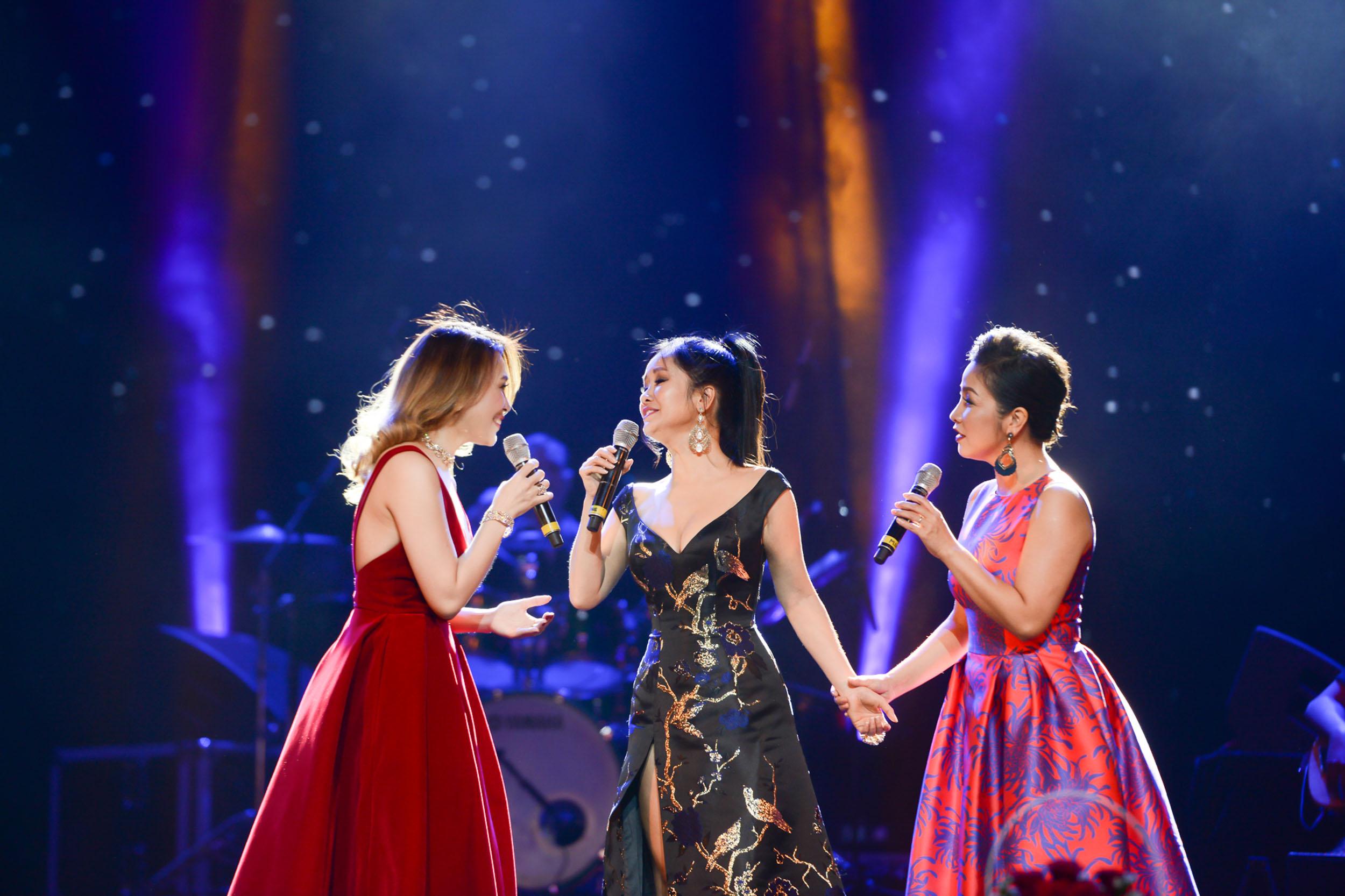 Không cần danh hiệu, Mỹ Tâm vẫn ung dung tỏa sáng cùng 4 Diva trên sân khấu chung - Ảnh 8.