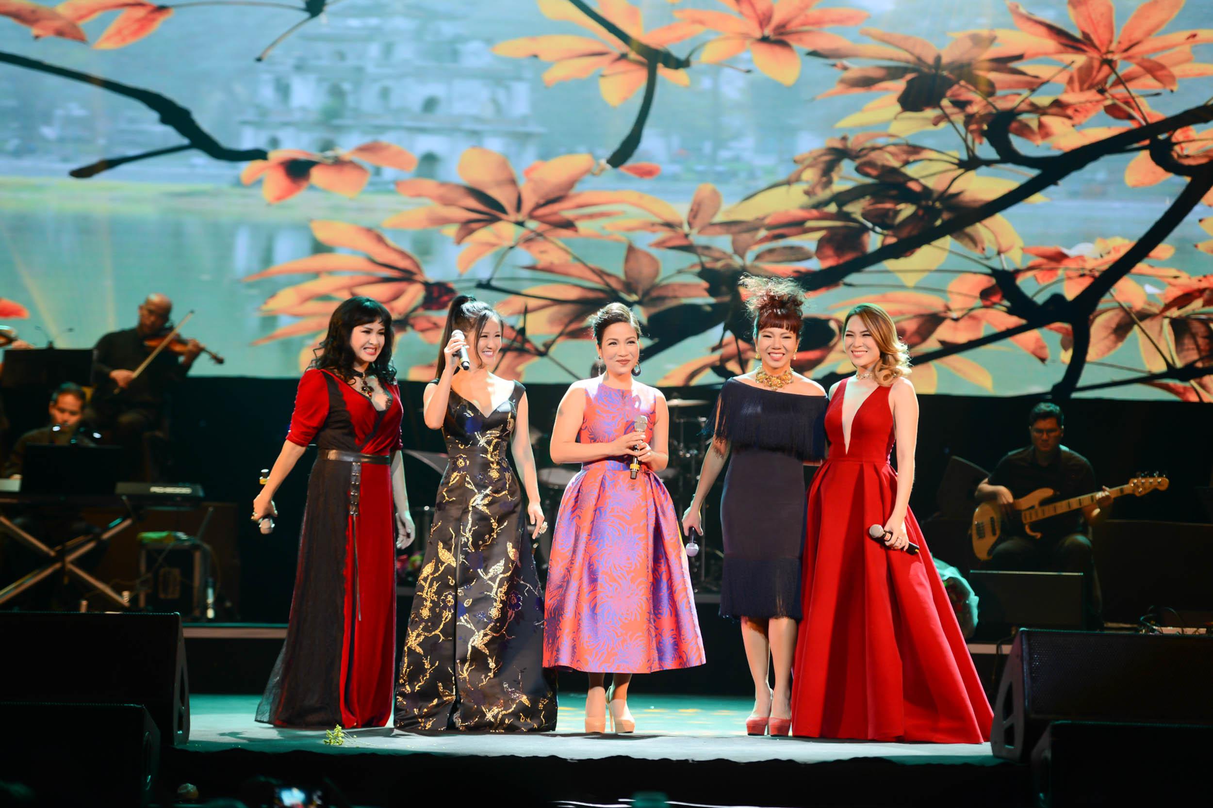 Không cần danh hiệu, Mỹ Tâm vẫn ung dung tỏa sáng cùng 4 Diva trên sân khấu chung - Ảnh 4.