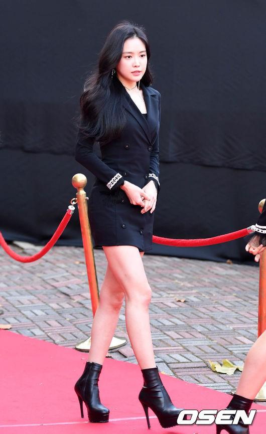 Asia Artist Awards bê cả showbiz lên thảm đỏ: Yoona, Suzy lép vế trước Park Min Young, hơn 100 sao Hàn lộng lẫy đổ bộ - Ảnh 26.