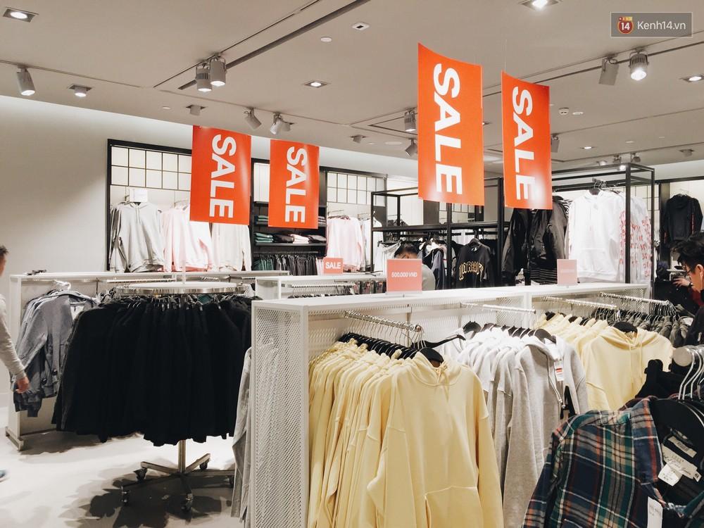 Thông báo sale tới 50%, H&M khiến tín đồ thời trang Hà Nội hụt hẫng vì sale quá ít đồ và không sale đồ Đông - Ảnh 8.