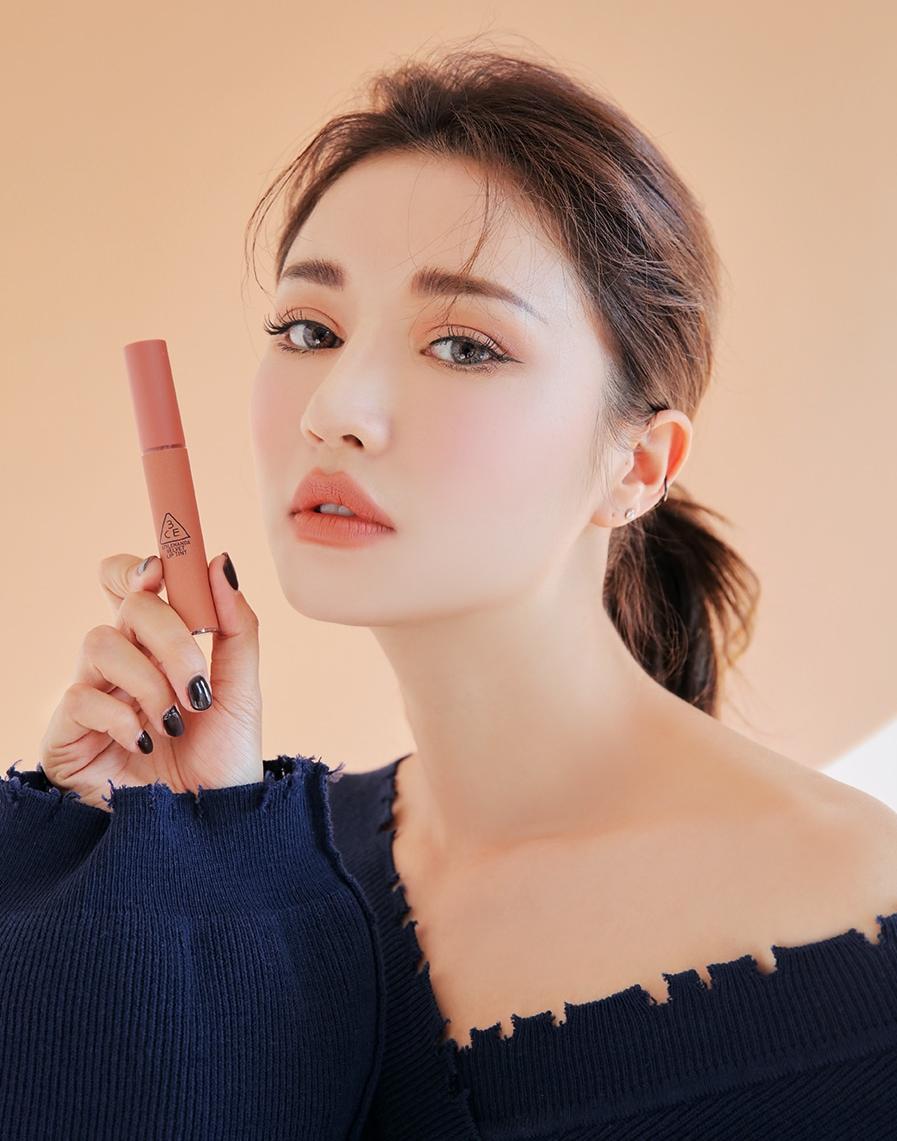 3CE vừa ra son kem lì 10 màu đẹp mê ly giá chỉ 300.000 VNĐ, con gái Việt ngay lập tức bật báo động cấp 1 - Ảnh 32.