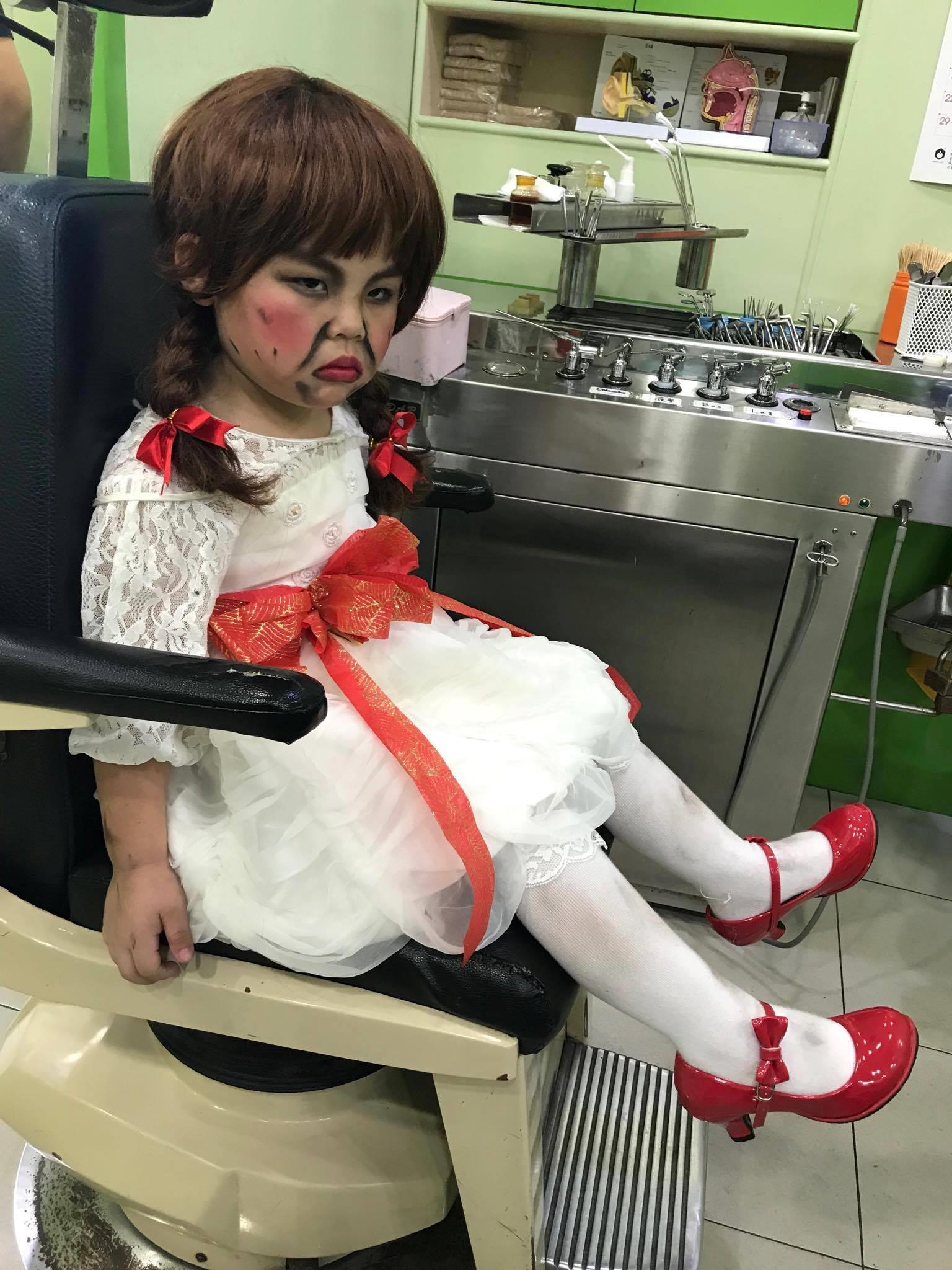 Khi Annabelle mọc râu và phải đi khám bệnh ngay sau bữa tiệc Halloween cùng các bạn - Ảnh 4.