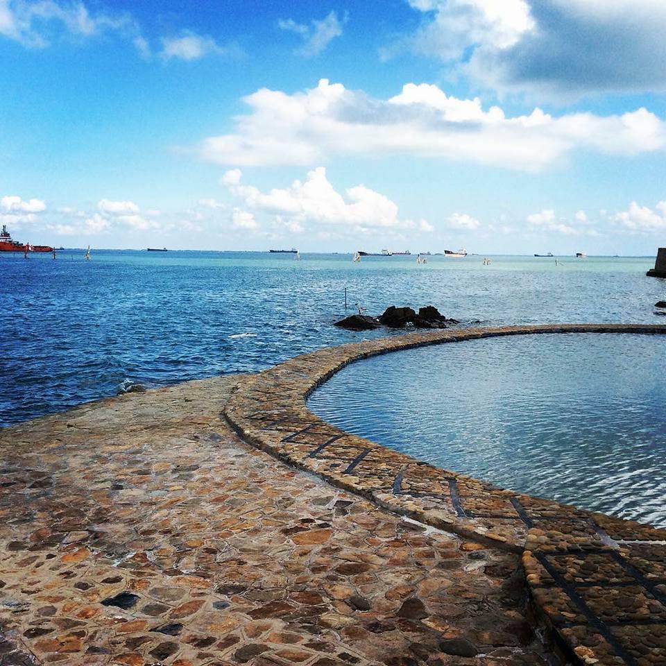 Bạn sẽ mê mẩn 3 hồ bơi tràn bờ biển siêu đẹp và rất gần Sài Gòn này mất! - Ảnh 13.