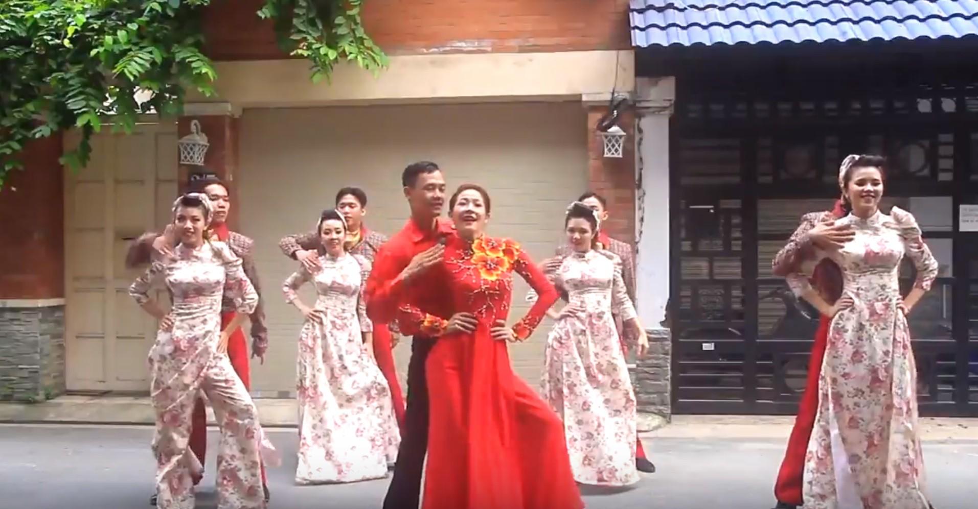 Đám cưới của dancer có khác!