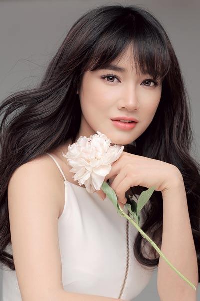 Nhã Phương, sinh năm 1990, diễn viên