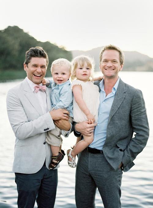 Trước Hồ Vĩnh Khoa, cũng đã có nhiều đám cưới đồng tính đẹp như mơ của sao thế giới - Ảnh 8.